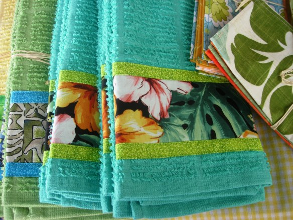 One of our best-selling items. Teal towel sets.
